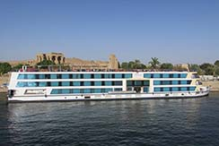 Giza Pyramids, Cairo and Nile Cruise by Train